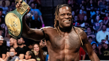 """R-Truth loves the """"fugly"""" 24/7 Championship: WWE After the Bell, Jan. 23, 2020"""