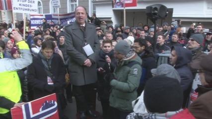 Austria: Thousands decry Norway's 'theft' of children in Vienna