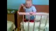 бебе танцува на house