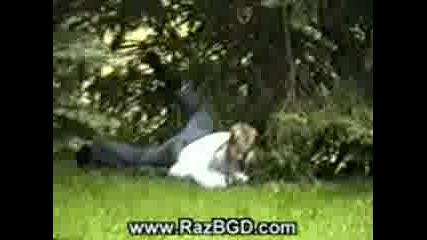 Идиот Скача От Покрив