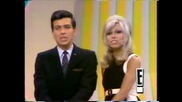 Nancy Sinatra and Frank Sinatra Jr - Somethin' Stupid