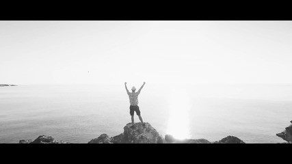 Dash Berlin feat. Christon - Underneath The Sky (official Music Video) - превод