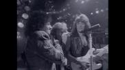 /превод/ Bon Jovi - Livin On A Prayer