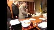 Украйна. Фашистката власт в действие. Бендеровците пак бият.