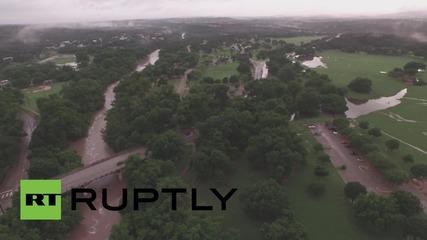 Дрон снима наводненията в Тексас и Оклахома