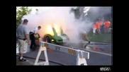 Кола директно пали асвалта :д