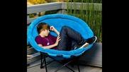 Сладки снимки в които Justin Bieber спинка ;p