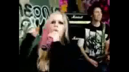 New! Avril Lavigne - The Best Damnthing New!