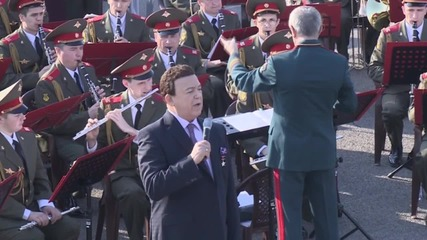 Syria: Kobzon performs for troops at Hmeymim Airbase