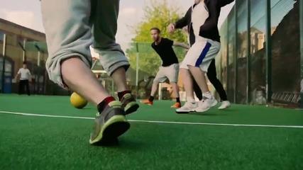 Ако футбола се играеше на отскачаща повърхност ...