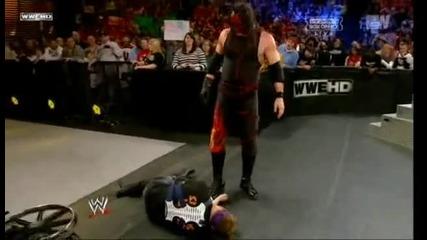 Кane прави Tombstone на Zack Ryder и Chokeslam на John Cena   Royal rumble 2012