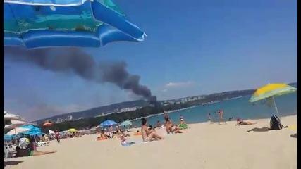 Пожар изпепели заведение във Варна.   Любителски Кадри 25.08.2015