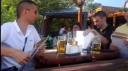 Пловдивчани оценяват мацки на плажа в Приморско