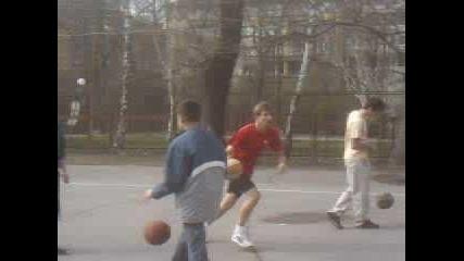 Баскетбол - Не Е Хубаво Да Летиш Много