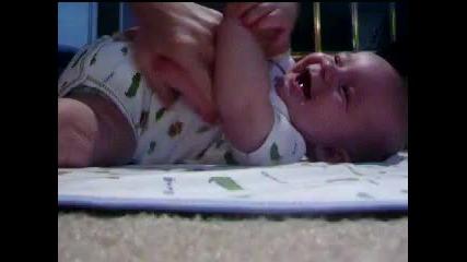 Бебето с най-заразителния смях!