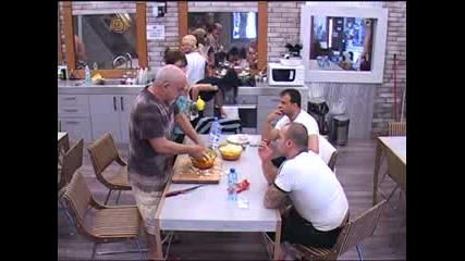 Big Brother Family София се дразни на Цончо, че имитира Анжелика. 26.04.10