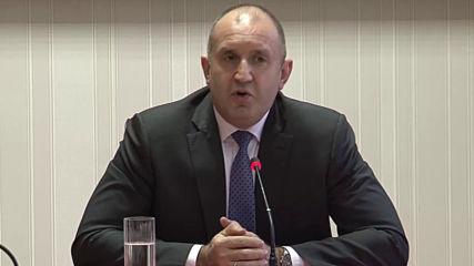 Румен Радев: Трябва да изградим съвременна детска болница