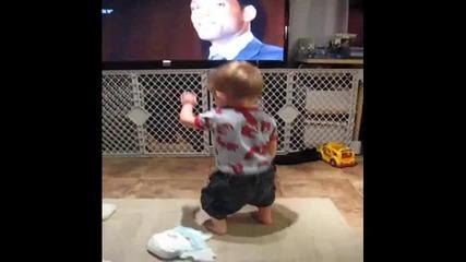 Сладко бебе танцува - Смях