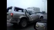 С изпочупен джип на магистралата