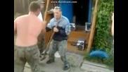 Пияни руснаци с лопата