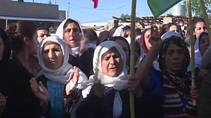 Iraq: Hundreds mourn PKK members killed in alleged Turkish airstrikes over Makhmour