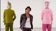 Текст Абсолютни животни feat. Михаела Филева - Дай знак пак ( Official Music Video )