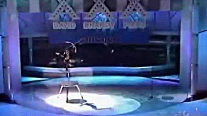 Това Момиче Взриви Журито и Публиката Във Въздуха