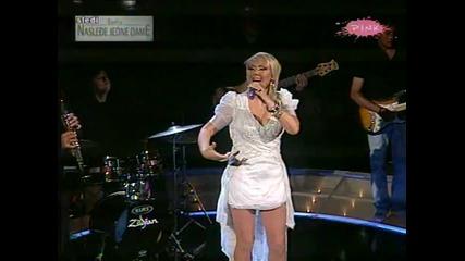 Lepa Brena - Zrno Bibera ( Live Grand Parada ) 2011 + Превод