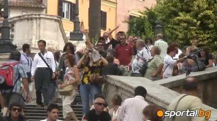 Червените ултраси загряват по улиците на Рим