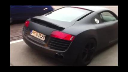 Шумно Audi R8