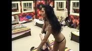 Лъснаха ци**те на Безсрамницата Анжелика пред Камерите на Big Brother Family 27.03.10 Безсрамница