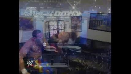 Undertaker пребива Chavo след това и Vickie