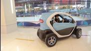 Пилоти от F1 се състезават в мол с Renault Twizy !