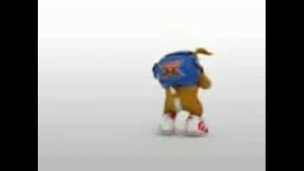 Куче пее и танцува (смях)