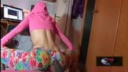 Готино маце със сексапилно тяло практикува Twerking