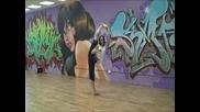 Chloe Bruce - Демонстрация на ляв крак