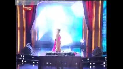 Topless Dj Milana в Шоуто на Азис