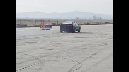 Кола Стартира