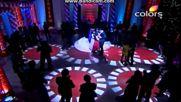 Мукта и Юврач; Митхи и Аман танцуват