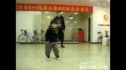 Хип - хоп танц от едва проходило дете