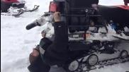 Да те погълне моторна шейна в руски стил