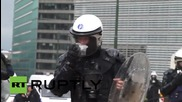 Белгия: Яйца и фойерверки прелитат по време на фермерски протест в Брюксел