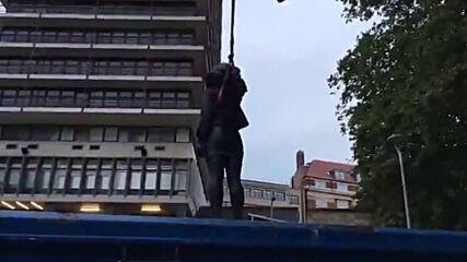 UK: Bristol removes BLM statue 24 hours after its installation