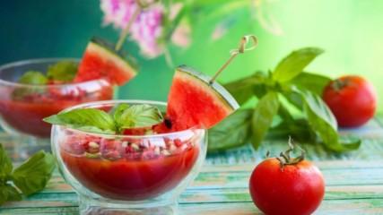 Какво да ядем ако не можем да изпием 8 чаши вода през деня