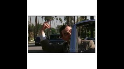 Мр. Бийн показва среден пръст