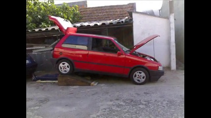 едно великолепно Fiat uno Turbo ie