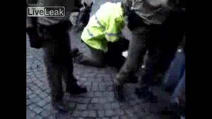 Полицията в Германия!!!... Задържане!