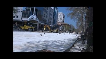 """Полагат асфалт в началото на """"в. Априлов"""""""