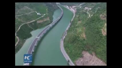 Китай построй магистрала върху река