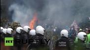 Белгия: Фермери протестират пред сградата на Европейската комисия с огън и яйца